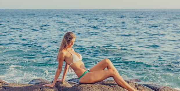 bikini-1416945_1280