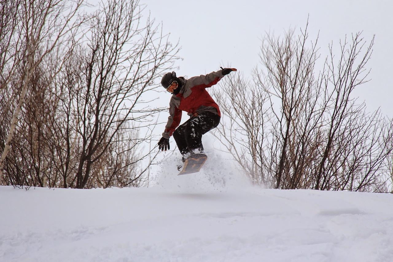 snowboarding-1891416_1280